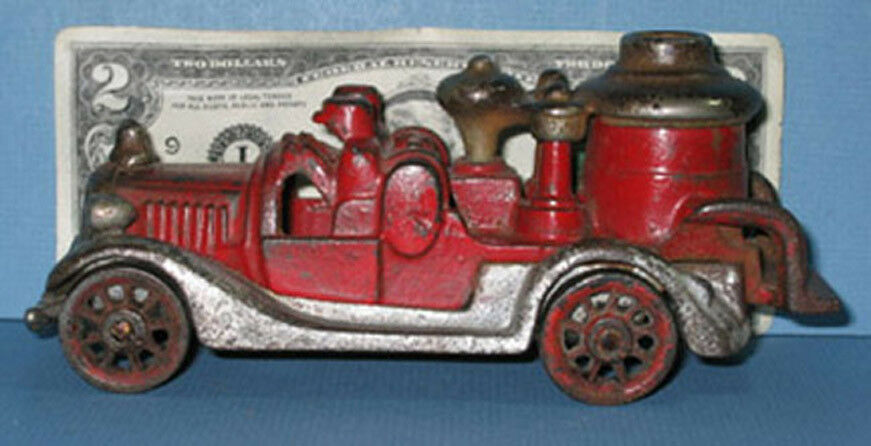AUTHENTIC & OLD CAST IRON FIRE PUMPER * 6 1/2  * 2 FIREMAN * NOW ON SALE * CI275