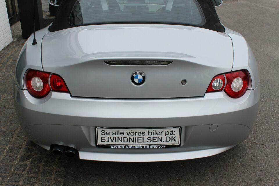 BMW Z4 2,5 Roadster Benzin modelår 2003 km 143000 Sølvmetal