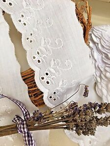 2-Metres-x-Quality-White-Cotton-Broderie-Anglaise-Flat-Lace-FREE-1ST-CLASS