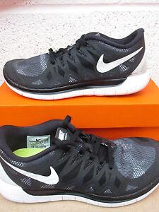 vente chaude en ligne f75aa 3f488 Détails sur Nike Femme Free 5.0 Imprimé Course Baskets 705347 001 Baskets
