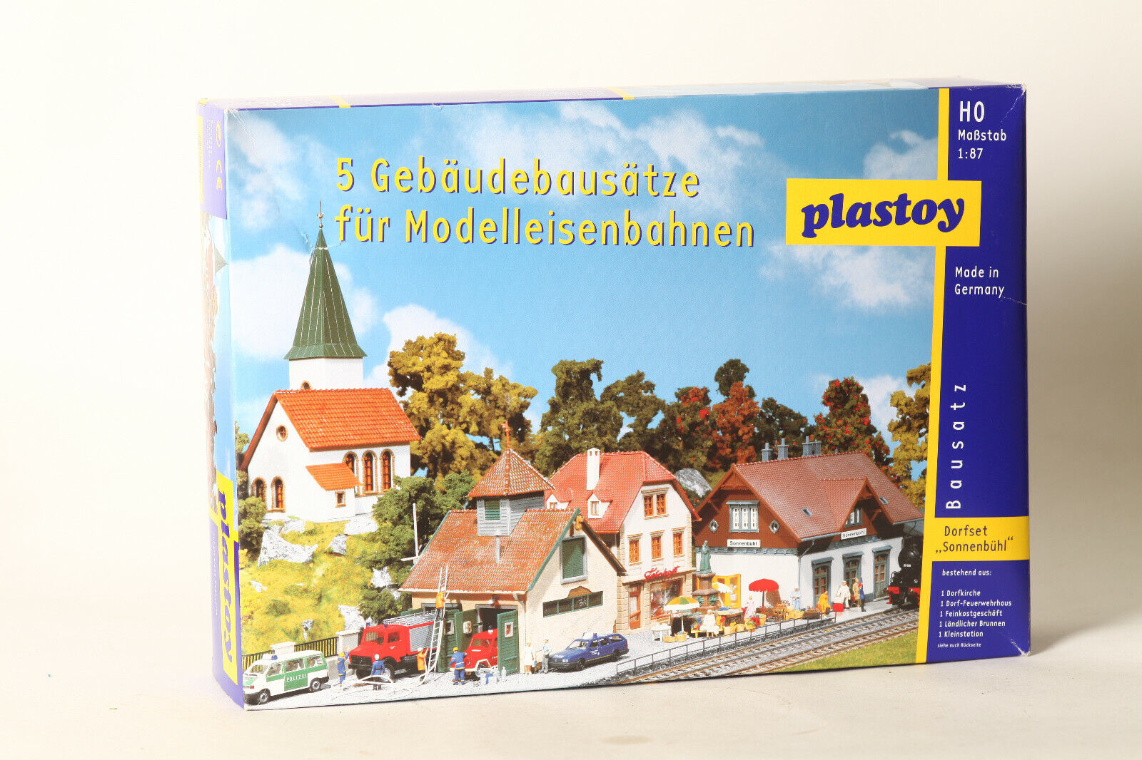 Plastoy H0 Kits Village   Sonnenbühl   Zb Church, Fire Brigade Boxed (123101)