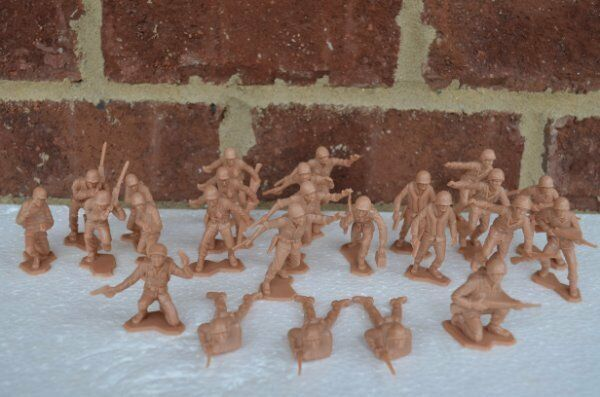 Marx WWII Combat Marines US Infantry 1/32 54MM Toy Soldiers Iwo Jima Pacific