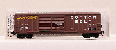 MICRO TRAINS-50/' CP RAIL BOX CAR WITH LARGE SINGLE DOOR AND RIB SIDES RD#211077