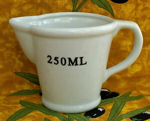 Vintage-French-Metric-Measuring-Cup-250ML-8OZ