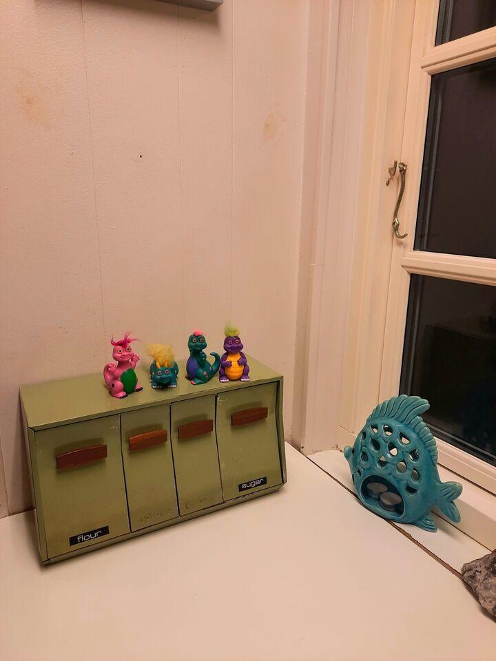 Andet legetøj, Retro figur . Dinosaur . Russ hatchlings .,