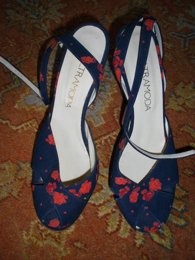LALTRAMODA FLORAL HEELED Schuhe, EU 39/UK 6, BRAND NEU, ANKLE STRAPS AND PEEP-TOE