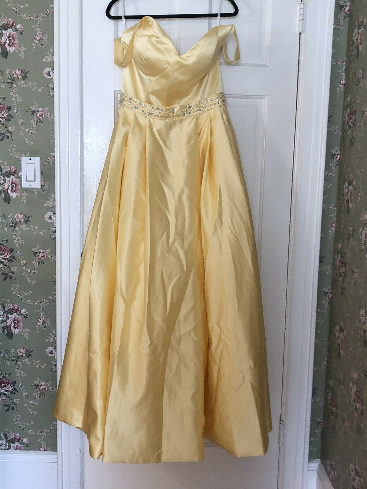 Woman's Yellow Evening Gown Size 12