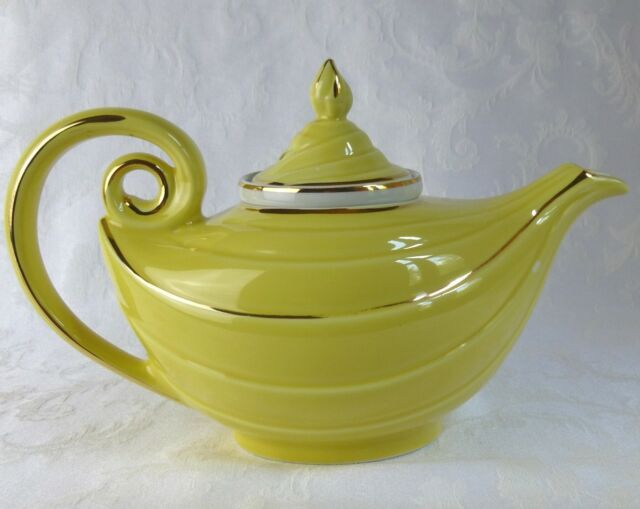 Aladdin Teapot with Infuser from Halls Holds 6 Cups Vintage 1950s Kitchen China 22K Gold Trim Cream Color with Orange /& Brown Leaves