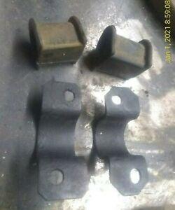 2-IFS-SWAY-Bar-BRACKETS-4WD-86-95-48829-35040-48829-35050-amp-Bushings-Toyota-PICKUP