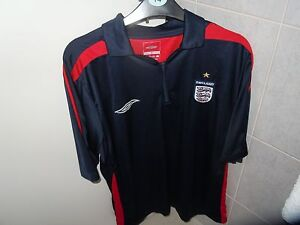 UMBRO Blue and Red England Rugby Jersey Size XL - <span itemprop='availableAtOrFrom'>Woking, Surrey, United Kingdom</span> - UMBRO Blue and Red England Rugby Jersey Size XL - Woking, Surrey, United Kingdom