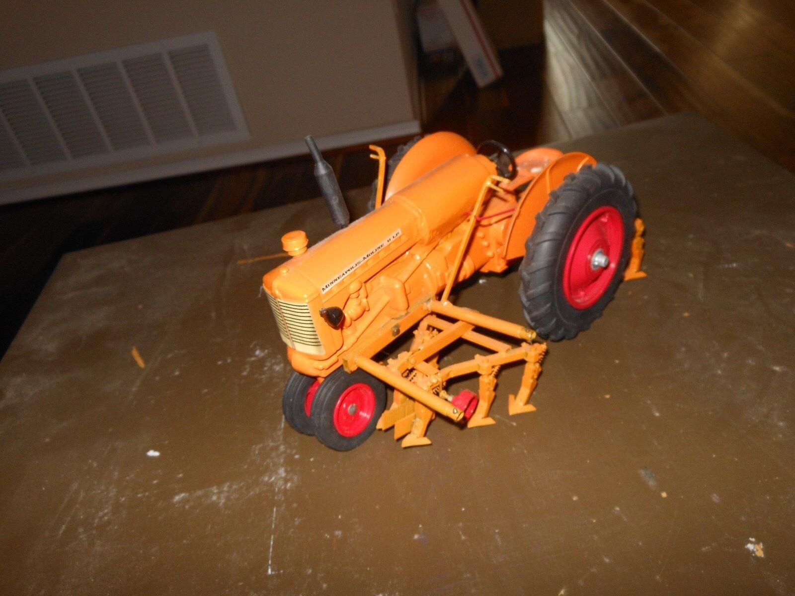 Minneapolis Moline  U  LP-gaz jouet tracteur (Blanc, Oliver) 1 16 avec des cultivateurs