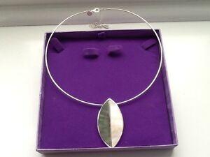 Lovely Necklace Never Used Leaf Design - Hebburn, United Kingdom - Lovely Necklace Never Used Leaf Design - Hebburn, United Kingdom