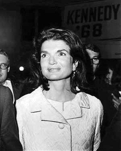 JACKIE KENNEDY FIRST WIFE OF JFK 8X10 PHOTO