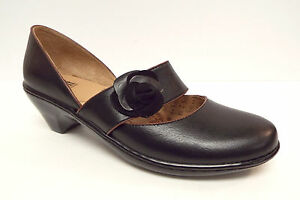 New-SOFFT-Size-7-Black-Mary-Jane-Flats-Shoes-w-flower