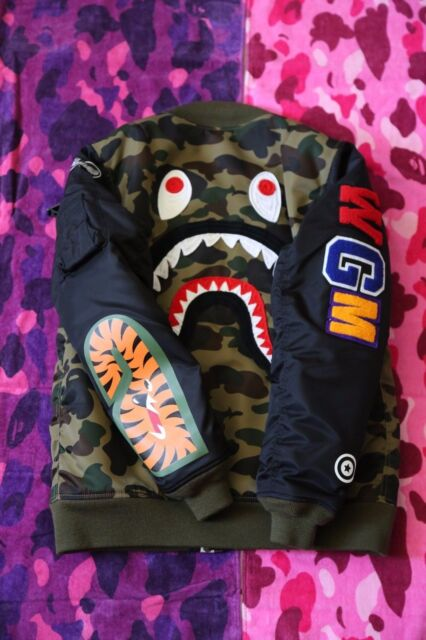 4b85fb0a3928 Bape bomber Jacket Shark NEW A BATHING APE 100% AUTHENTIC Hoodie WGM JAPAN  Large