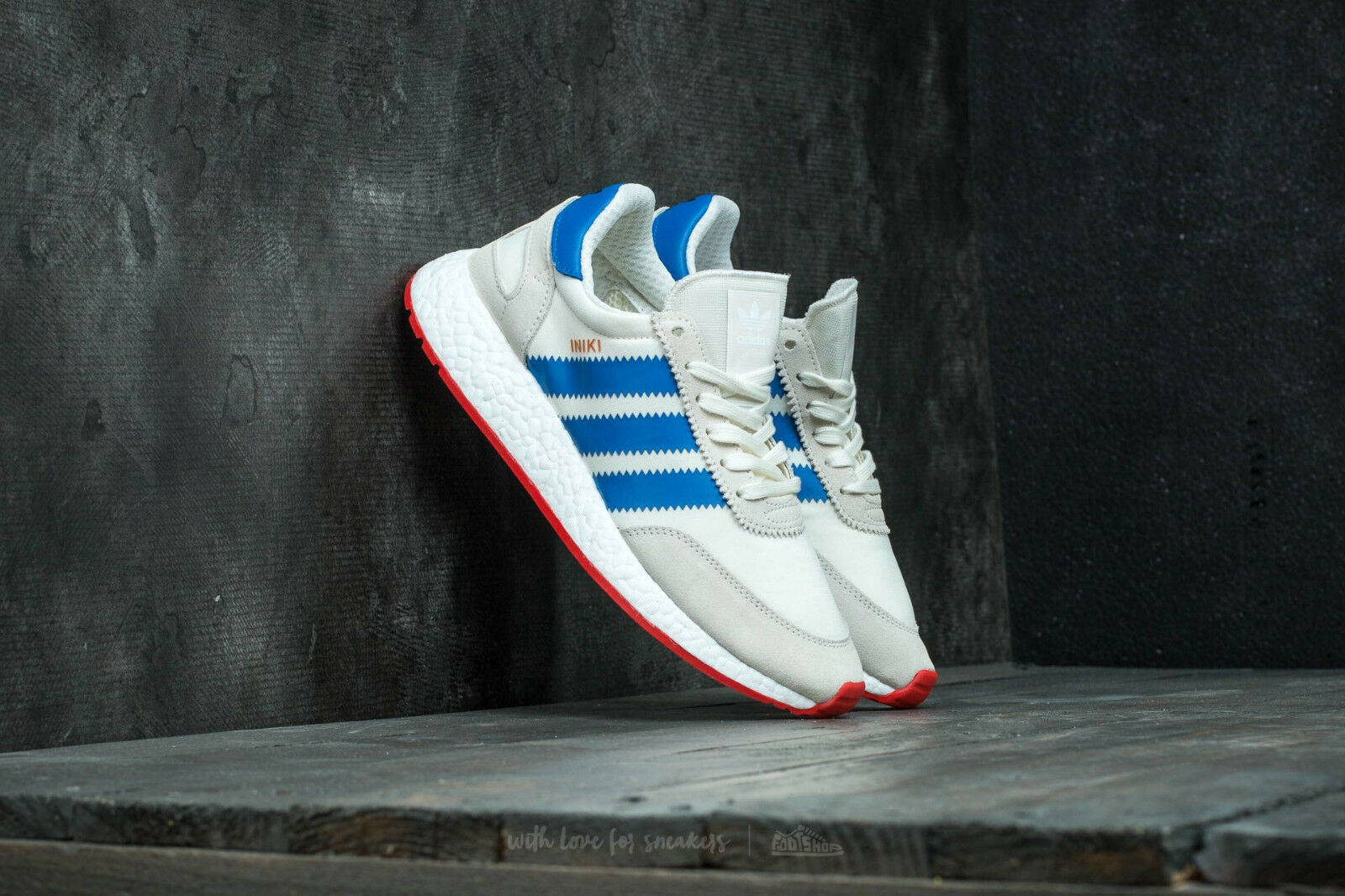 Adidas Iniki Runner Uomo Size   7.5 -   12 Off White Blue Core/Red Boost BB2093