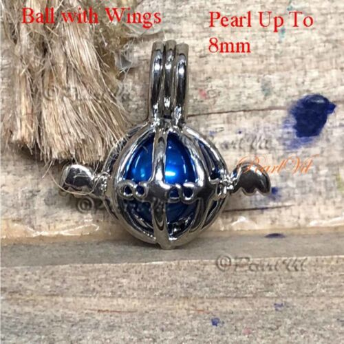 Pearl Cage Pendant with a Randomized Pearl