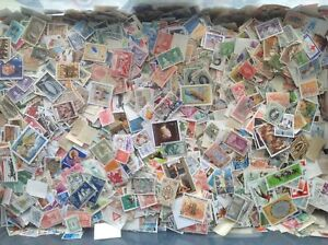 World-Kiloware-Stamps-Mixed-lot-of-approx-1-000-Off-Paper-100-grams