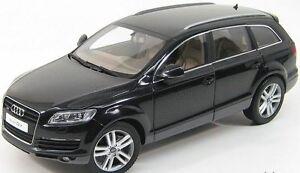 Audi-Q7-Black-Kyosho-1-18-No-09221BK