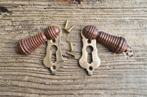 PAIR BEAUTIFUL ANTIQUE STYLE TEAK & BRASS BEEHIVE ESCUTCHEON DOOR KEYHOLE KEY N1