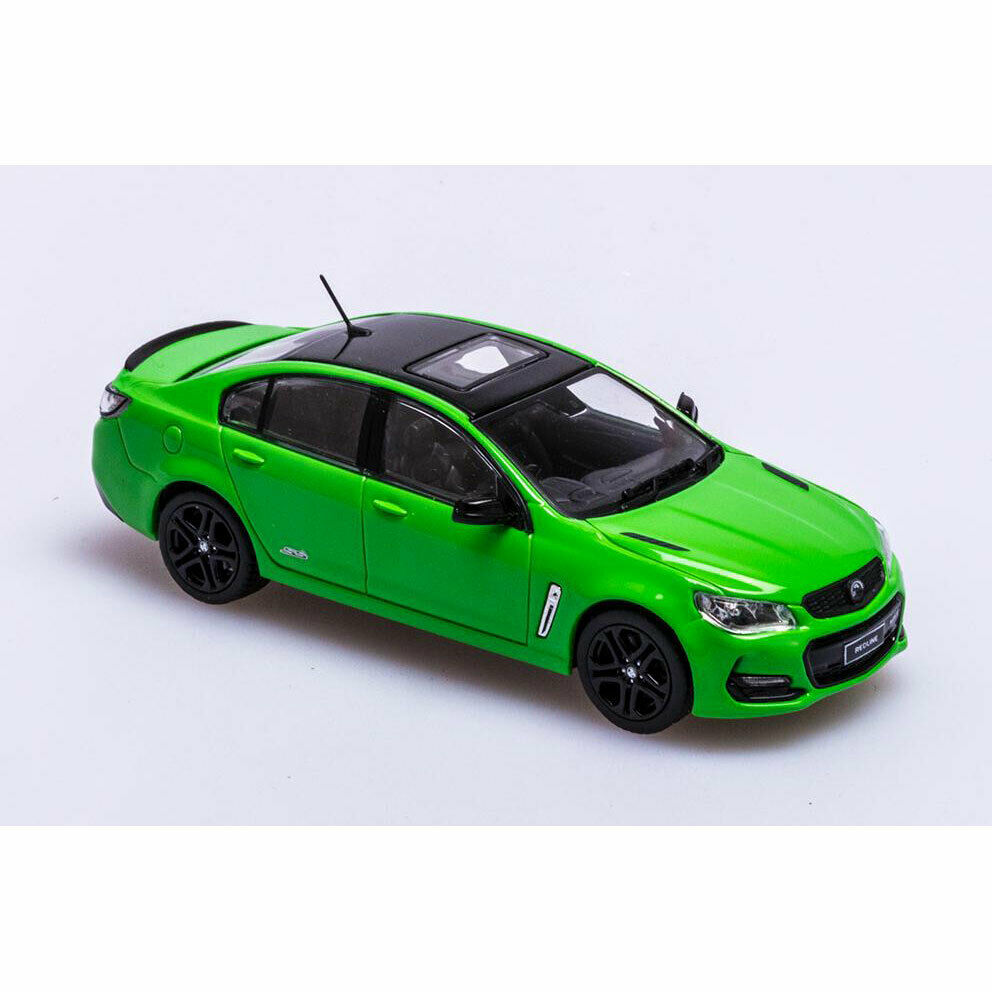 1 43 Biante - 2017 Holden VF Commodore SSV Redline - Spitfire Green
