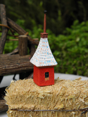 Miniature Dollhouse FAIRY GARDEN Accessories ~ Tiny Russian Cottage Birdhouse