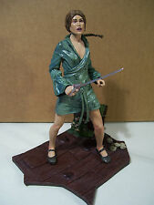 DISNEY PIRATES OF THE CARIBBEAN ELIZABETH SWANN FIGURE AT WORLDS END STAND NECA