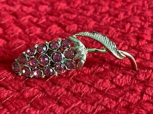 Vintage-Pin-Brooch-With-Pink-Stones