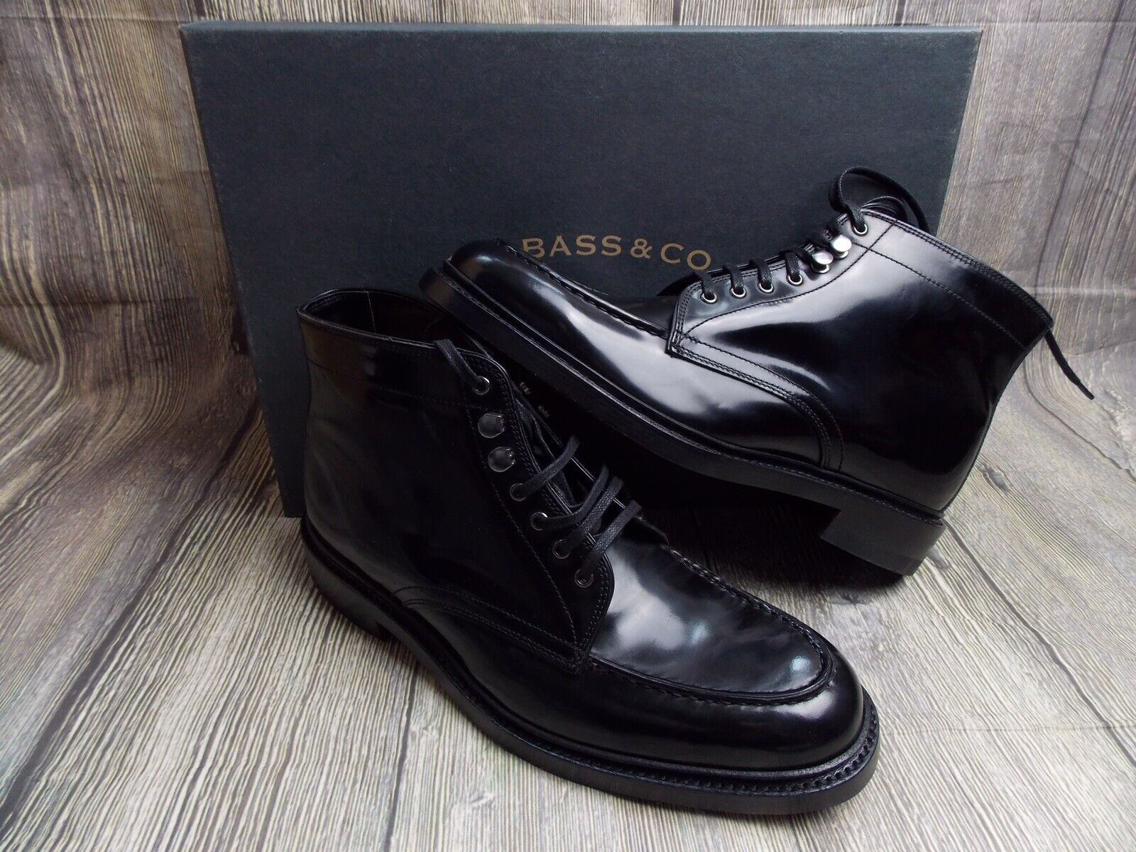 GH BASS APRON MONOGRAM MENS BOOTS BNIB 7UK 41EU  BLACK HIGH SHINE  WEEJUNS