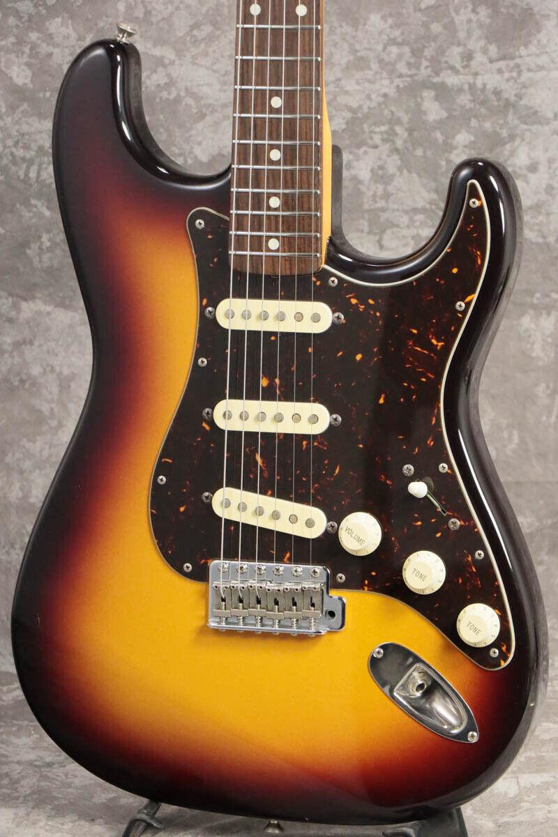 Fender Japan ST-40J 3 Tone Solburst R JAPAN beautiful rare EMS F S
