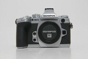 Olympus-OM-D-e-m1-Argento-Body-3