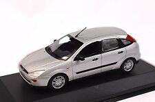 FORD FOCUS MK 1 5 DOOR 2002 SILVER DEALER MODEL MINICHAMPS 433 087023 1:43 NEW