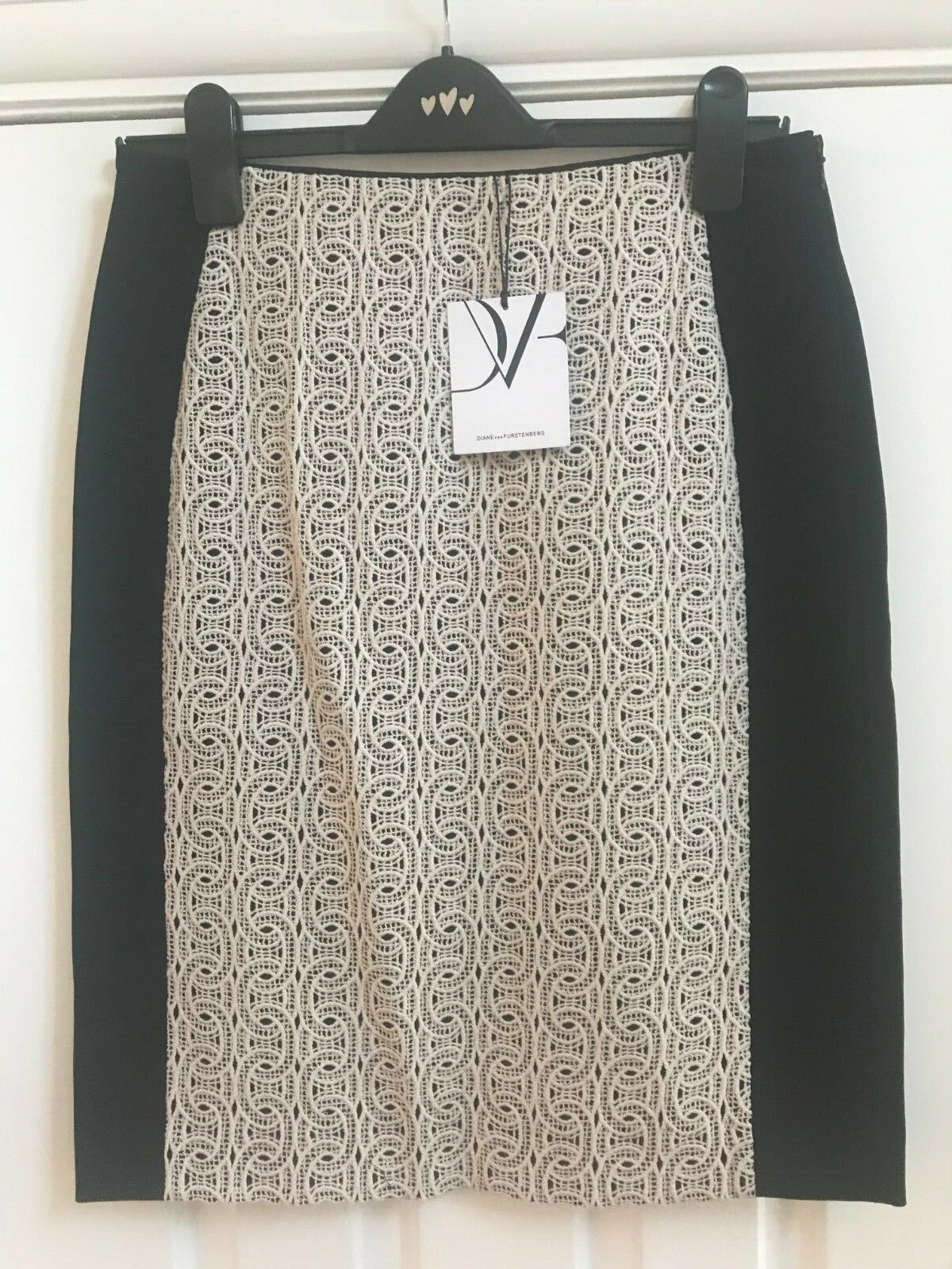 DIANE VON FURSTENBERG MAHLIA CHAINS LACE SKIRT UK SIZE 10 BRAND NEW WITH TAGS