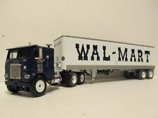 DCP 1/64 SCALE FREIGHTLINER CAB OVER (WAL-MART) CAB WITH DRY VAN TRAILER #32158