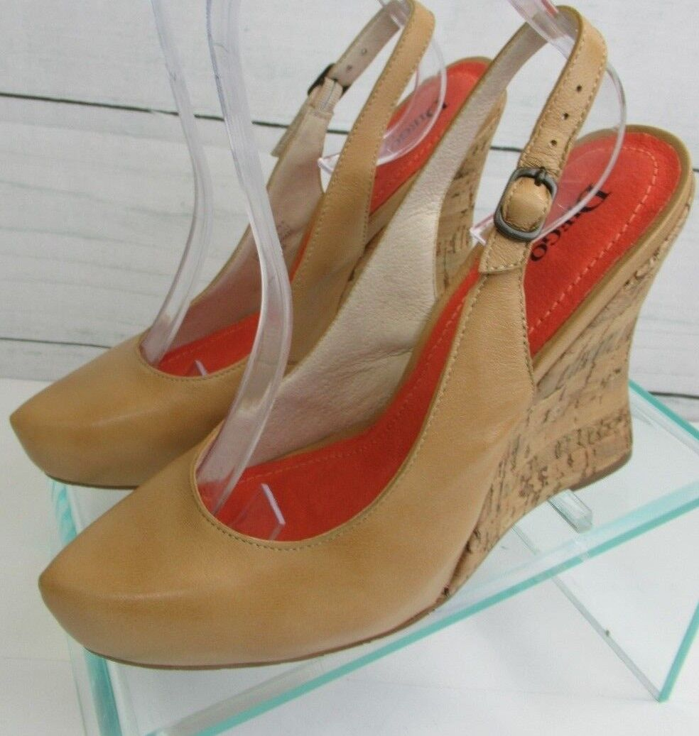 Diego Di Lucca  KASI LE Tan color Leather Point Toe Wedge MSRP  198 Sz 7- SS0611