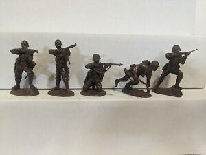 Conte-WWII-U-S-GI-039-S-Bloody-Omaha-5-Figures-Dark-Brown-Color-1-32-D