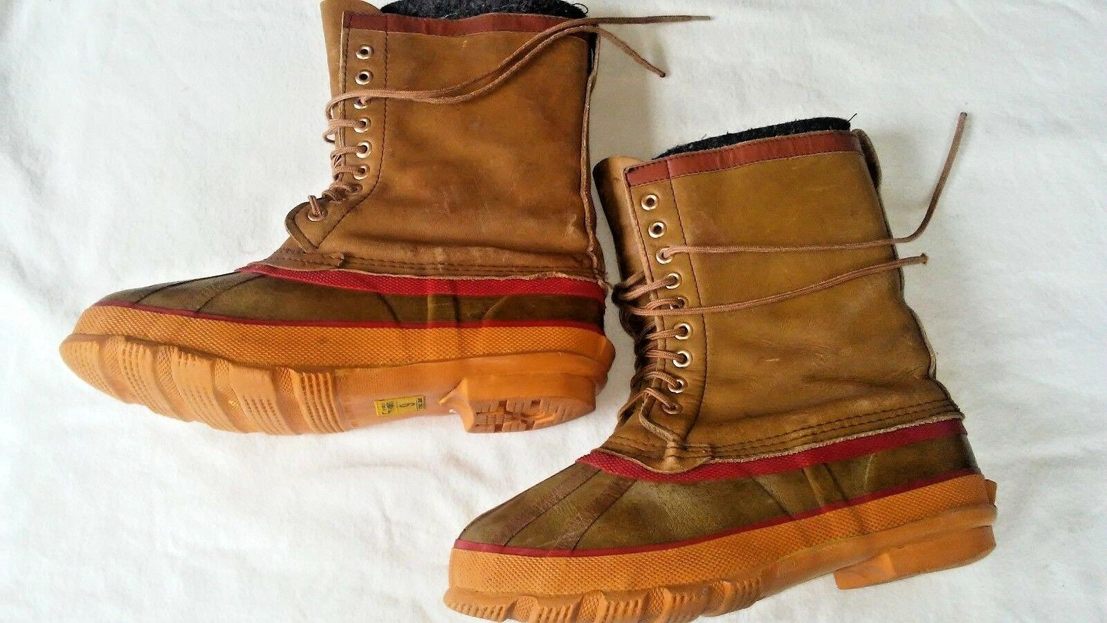 WORLD FAMOUS STEEL SHANK RUBBER  BOOTS WITH REMOVABLE WOOL BOOT LINERS SIZE 9