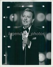 1978 Tennessee Ernie Ford at the Microphone Original News Service Photo