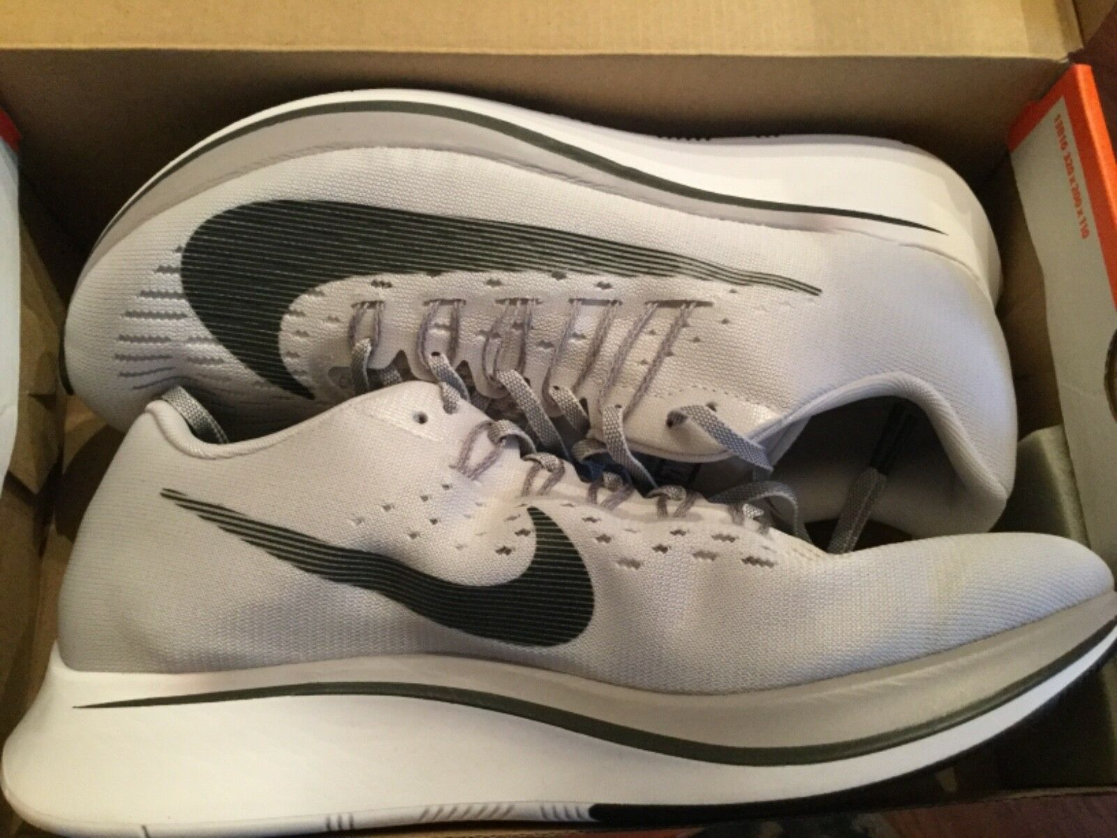 New Nike Mens Zoom Fly Run Running shoes 880848-002 sz 10 Vast Grey