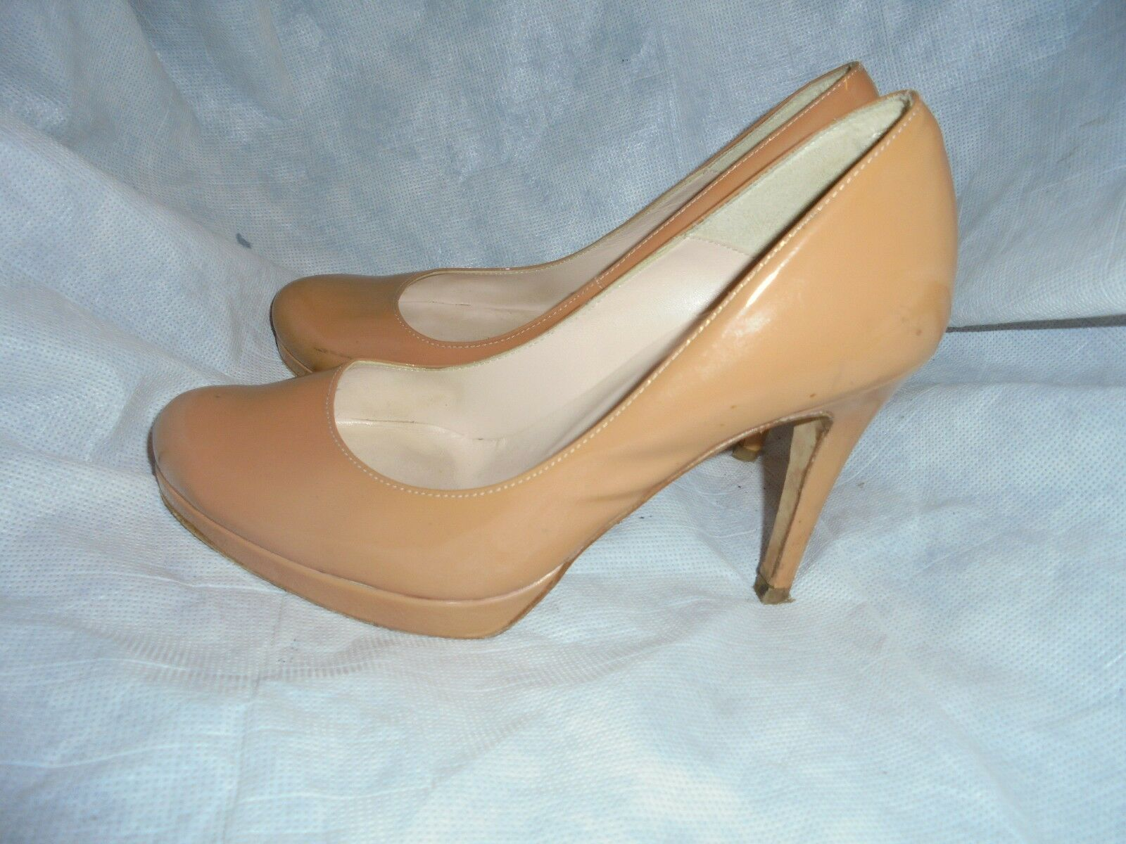 RUSSELL BROMLEY PATENT TAN PATENT BROMLEY LEATHER SLIP ON COURT SHOE SIZE UK 4.5 EU 37.5 VGC 313c37