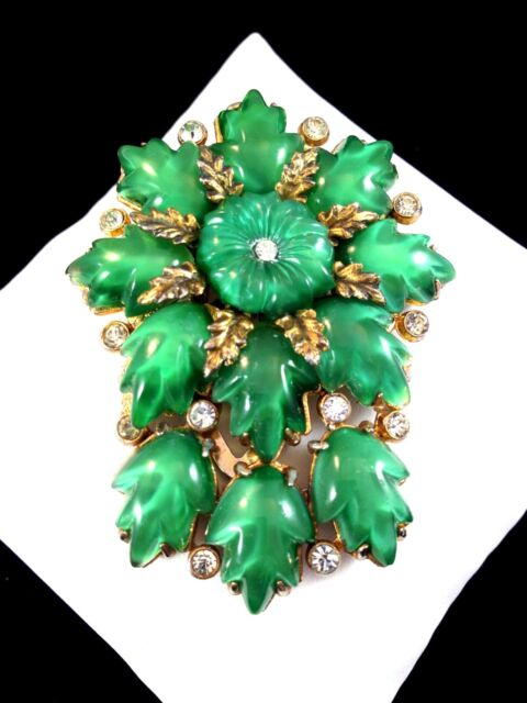 1930'S CORO EMERALD GREEN MOLDED GLASS RHINESTONE ART NOUVEAU FLORAL DRESS CLIP