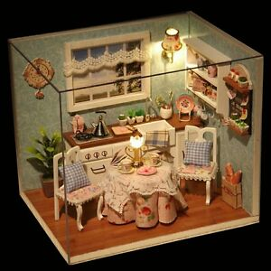 Dettagli su Dollhouse Miniature fai da te costruire mobili da cucina con  scala 1:24- mostra il titolo originale