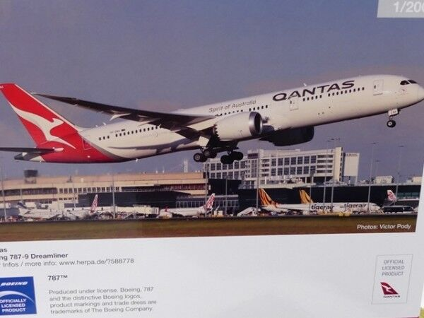 1 200 HERPA QANTAS BOEING 787-9 Dreamliner VH-Zna 558778