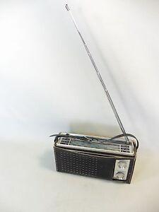 TOSHIBA-TRANSISTOR-9M-872FL-POSTE-RADIO-EN-ETTA-DE-MARCHE-AVEC-SACOCHE