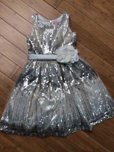 355d78c96 $300 NEW Girls 14 ZOE LTD Ivory Silver Gold Sequin PARTY DRESS ...