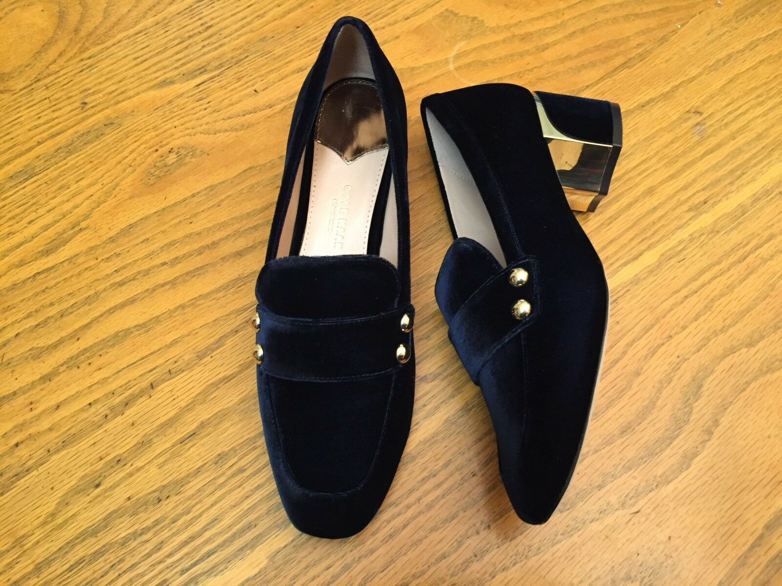 COLE HAAN COLLECTION MARINE WOMENS VELVET LOAFER SHOES NEW SIZE 6.5