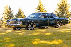 1969 Lincoln Continental ***Moving.  Must sell***