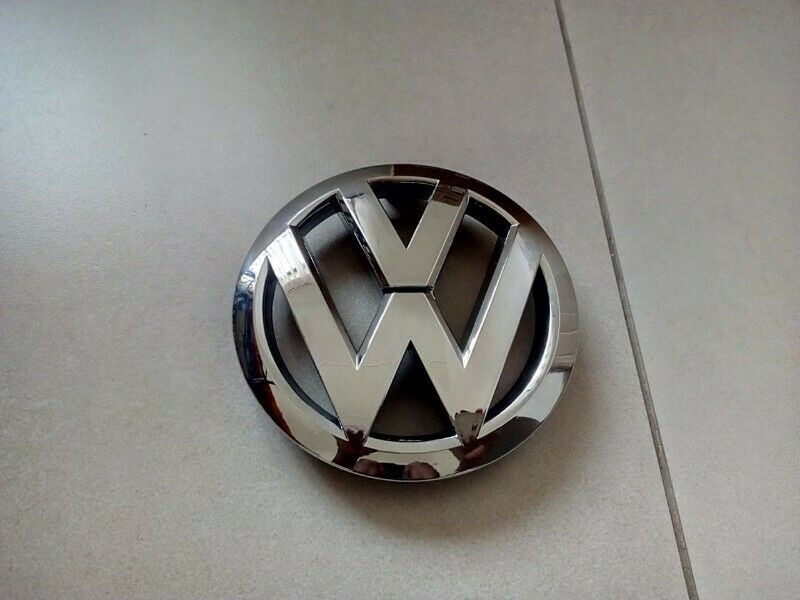 VW POLO 6R 10/14 BRAND NEW CHROME FRONT GRILLE BADGES SALE PRICE:R450