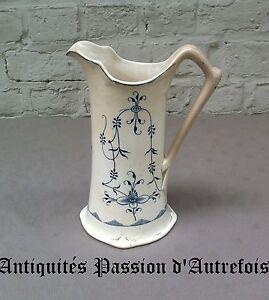 B2017449-Pichet-en-faience-de-Maestricht-decor-Saxe-21-5-cm-Bon-etat