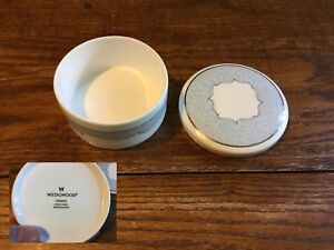 Wedgwood-Venice-Pattern-Bone-China-Powder-Dish-Jewelry-Trinket-Box-Pot-Lid-MINT